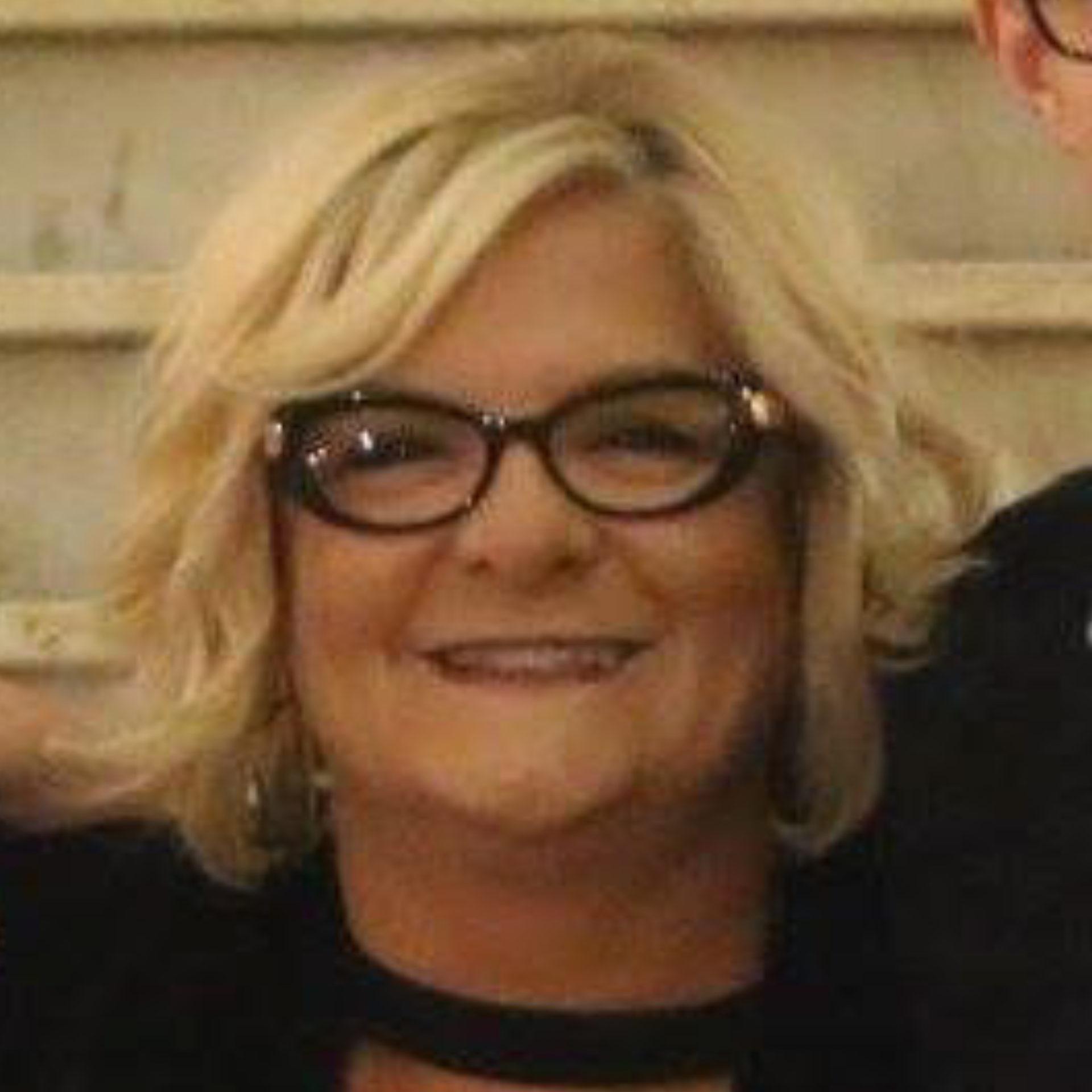 Lesley Thomas